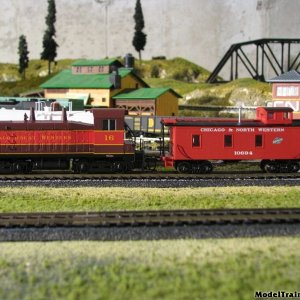 Cgw Loco And Cnw Caboose