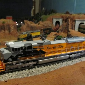 SD70ACe w/ GP40's in background