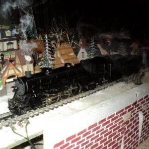MTH Pacific Smoking. Only model train locomotives are permitted to smoke in the house !