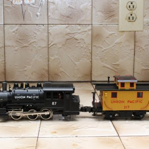 Lionel Dockside Switcher & Bobber Caboose